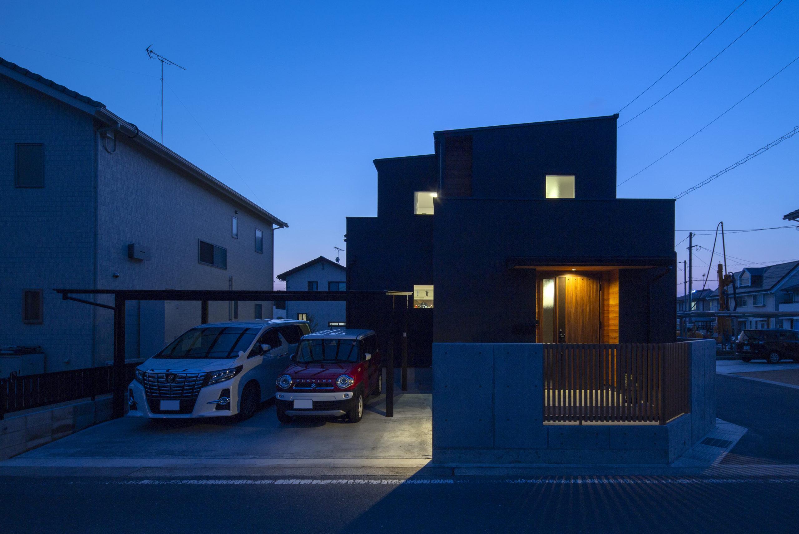 福山市の注文住宅|今井住建の施工事例ギャラリー「夜の外観も気になりますよね」