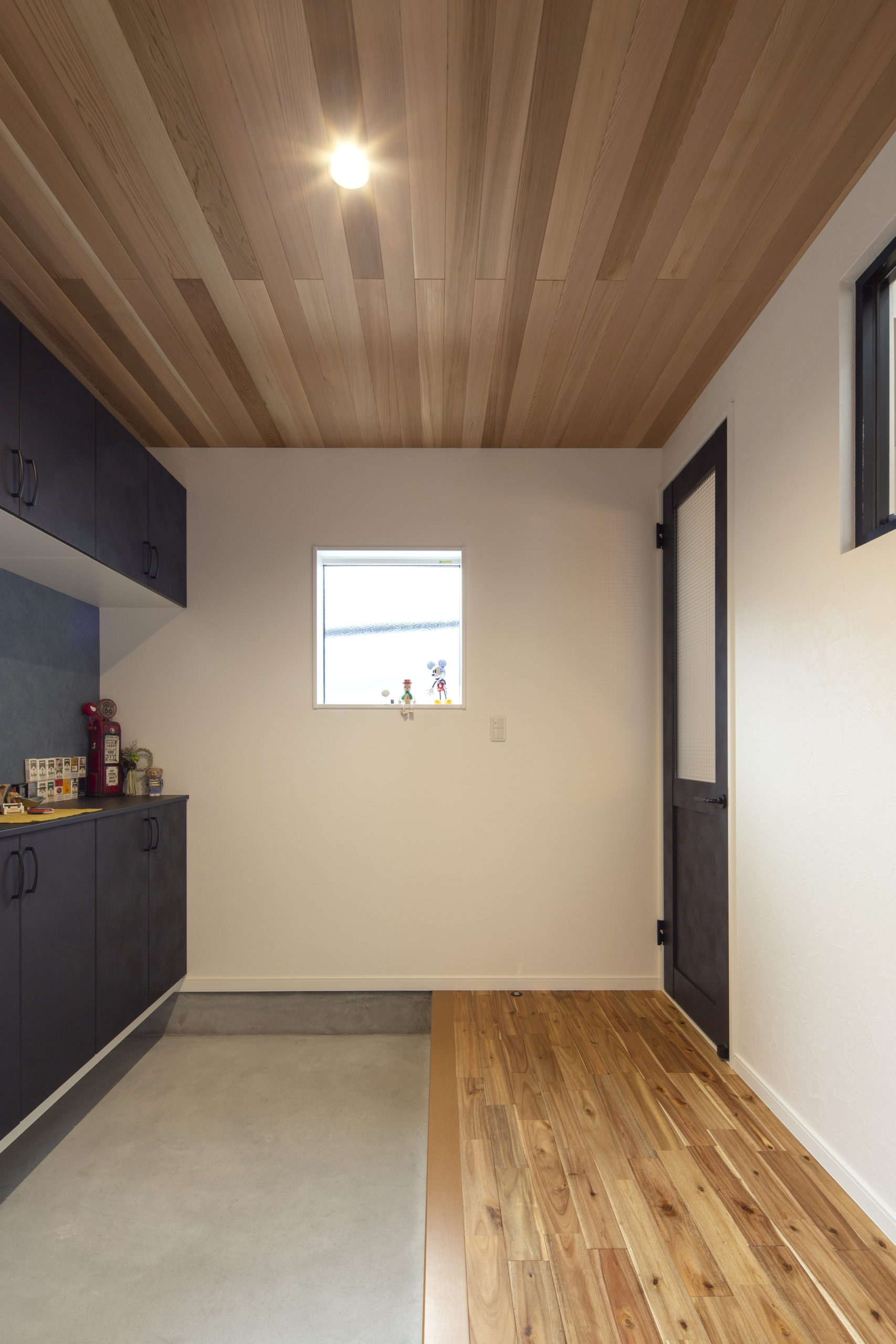 福山市の注文住宅|今井住建の施工事例ギャラリー「タイルもいいけど土間もおススメです」