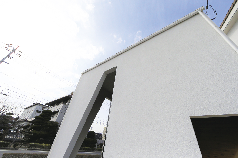 白い箱の家