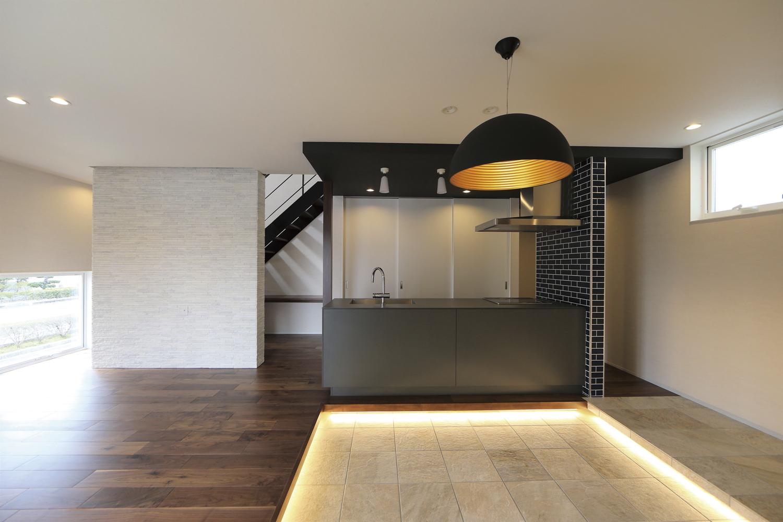 白い箱の家のDining Kitchen