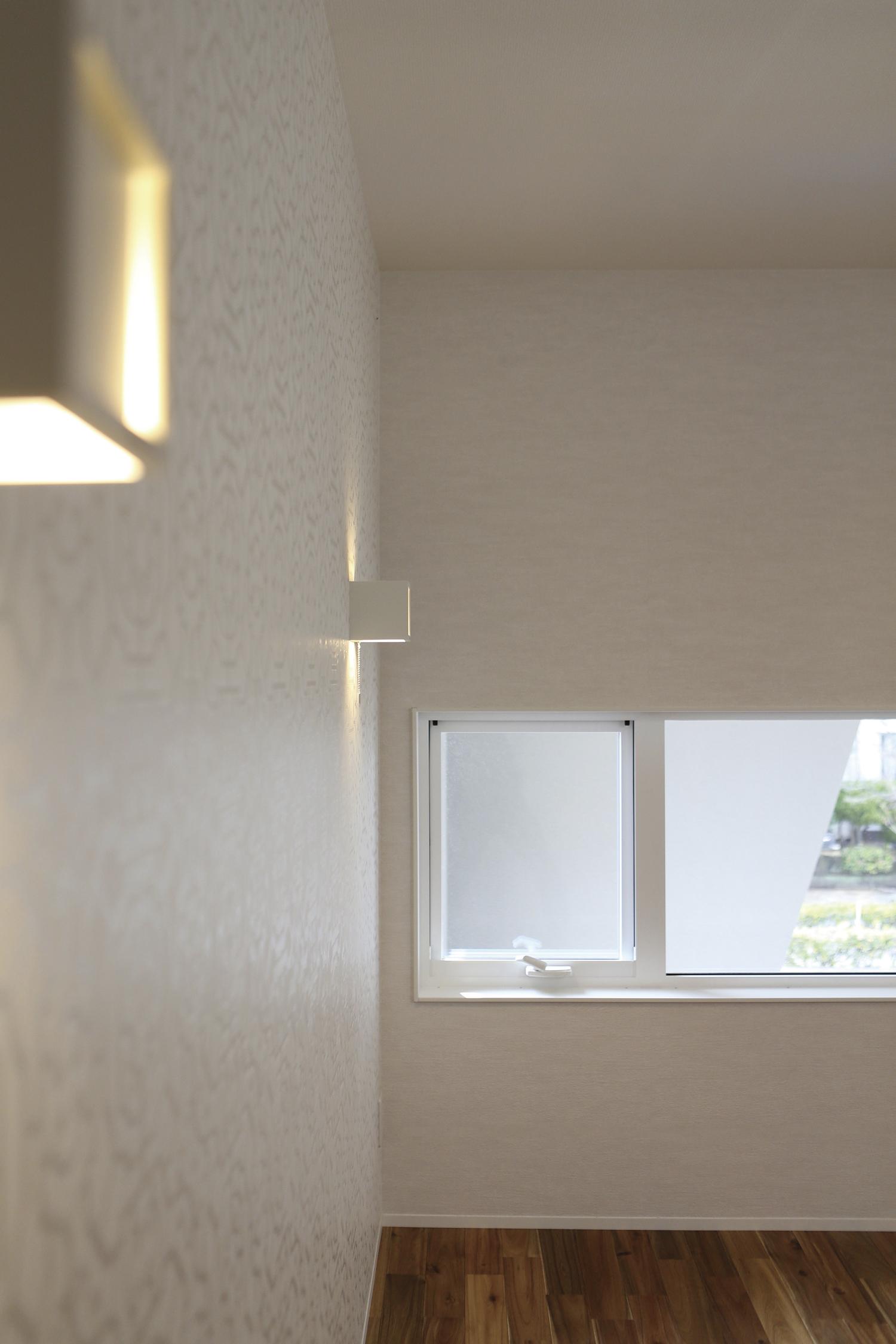 福山市の注文住宅|今井住建の施工事例ギャラリー「斬新な外観が中からも感じられる一瞬」