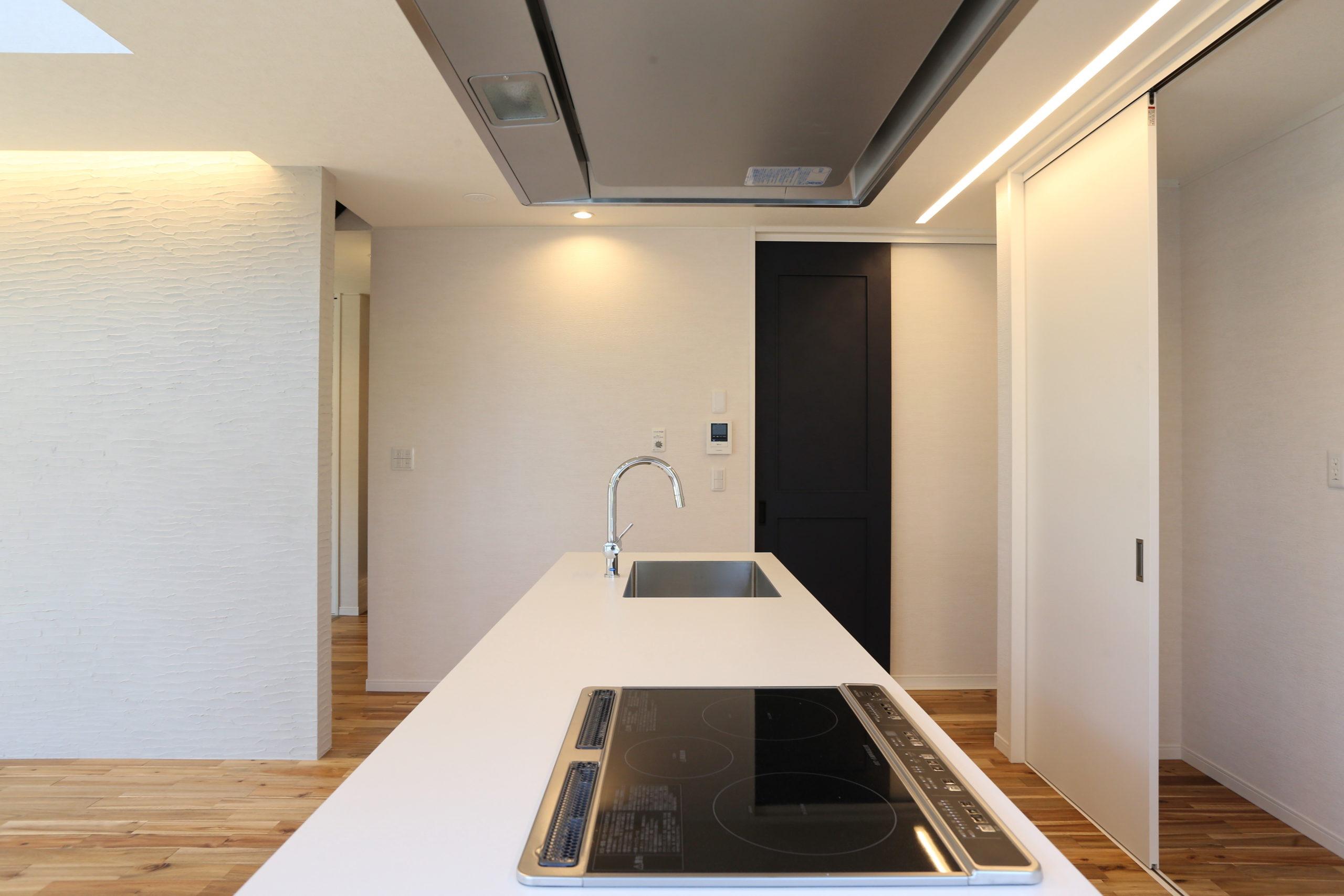 福山市の注文住宅|今井住建の施工事例ギャラリー「会話が弾むアイランドキッチン」
