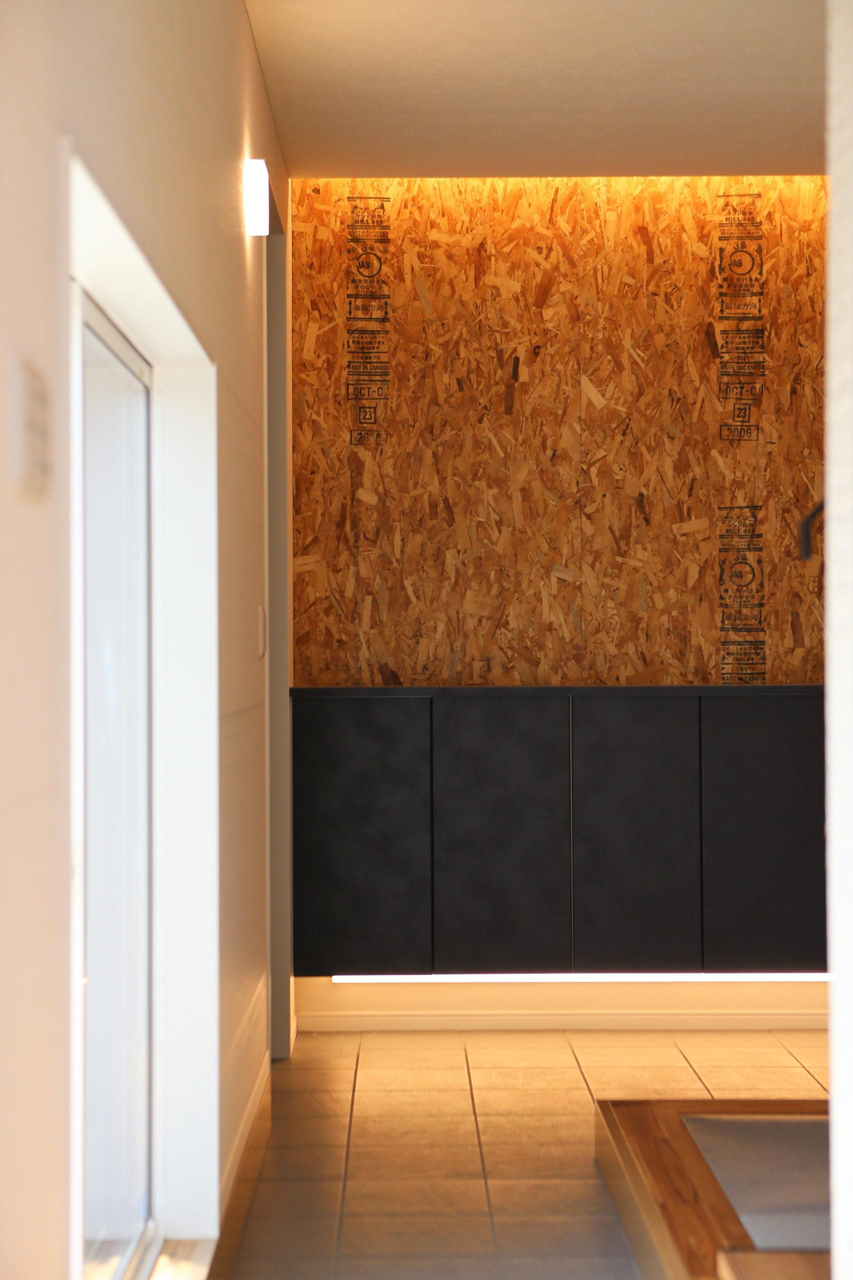 福山市の注文住宅|今井住建の施工事例ギャラリー「圧迫感のないフロート型のシューズストッカー」