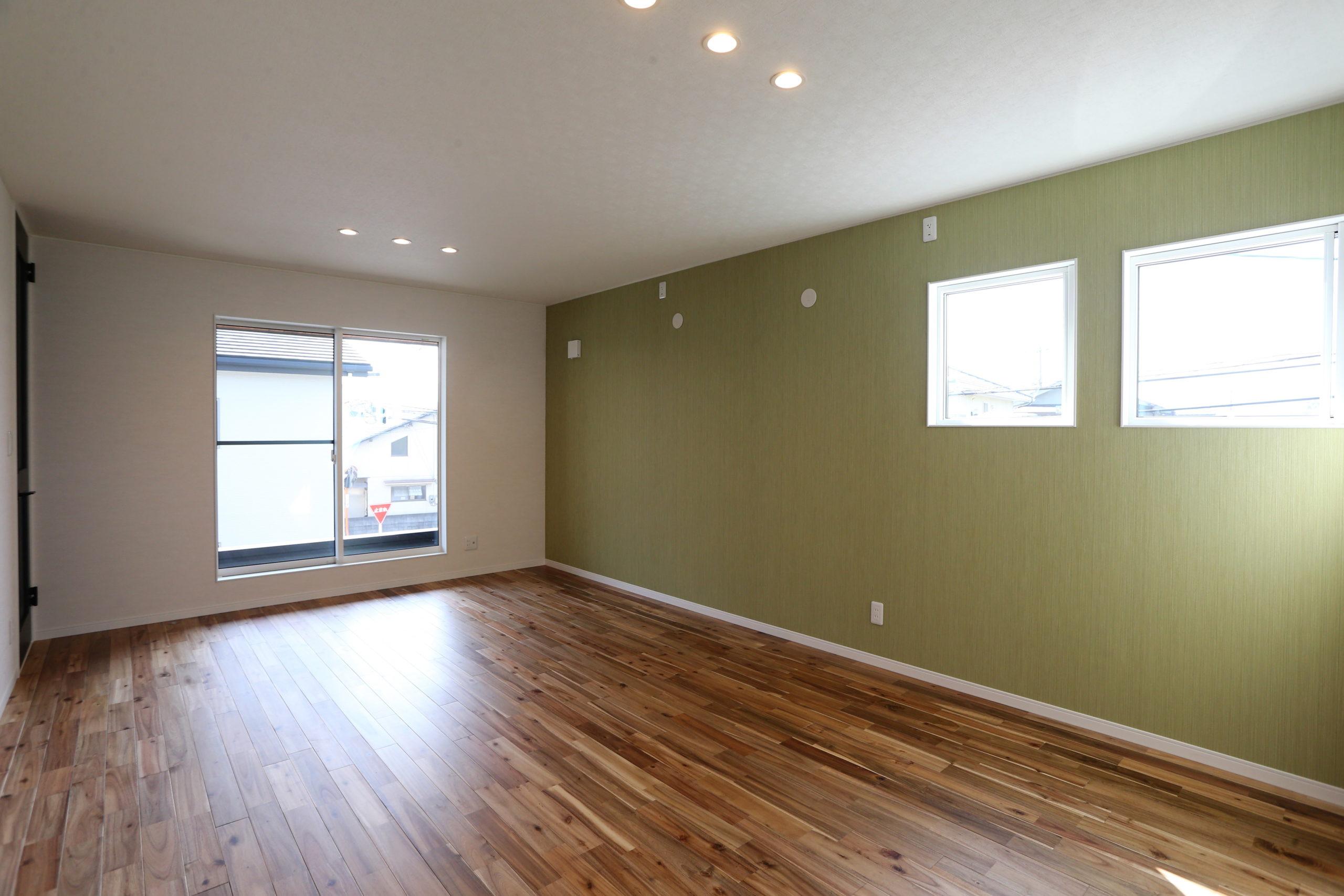 福山市の注文住宅|今井住建の施工事例ギャラリー「床材はやっぱり無垢材を」