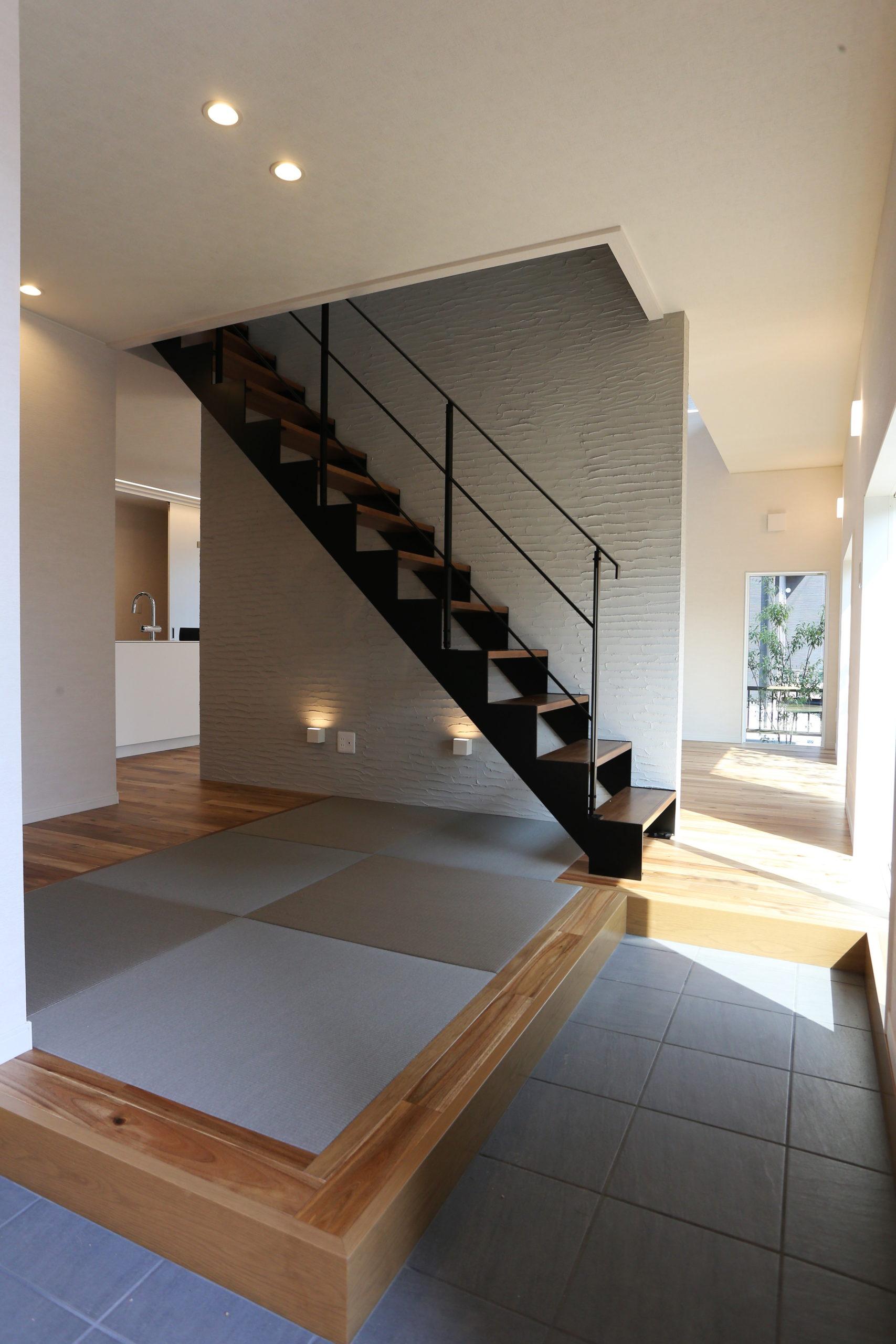 福山市の注文住宅|今井住建の施工事例ギャラリー「玄関入って畳は高級感がありますよね」