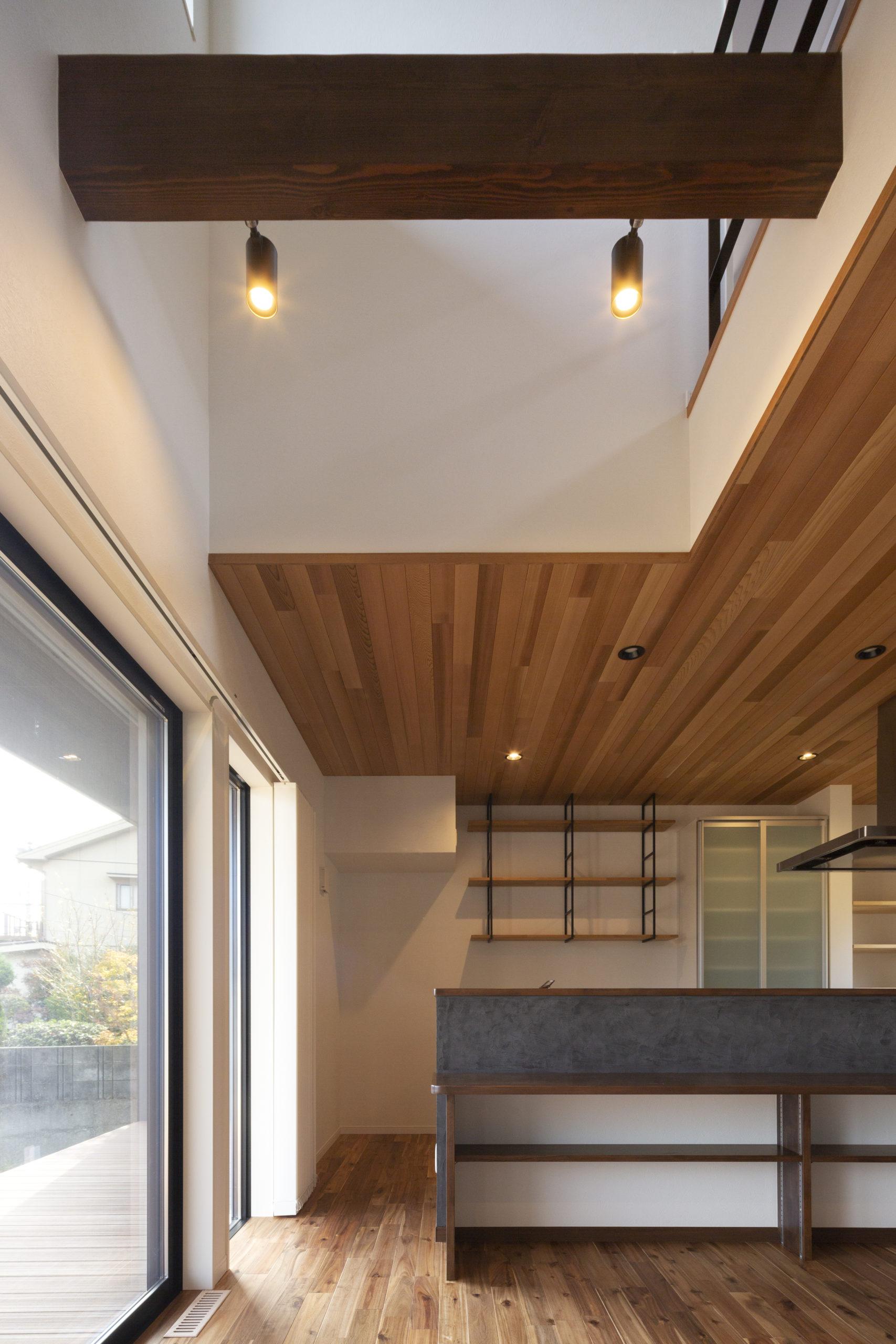 福山市の注文住宅|今井住建の施工事例ギャラリー「化粧梁と照明で空間を彩ってみませんか」