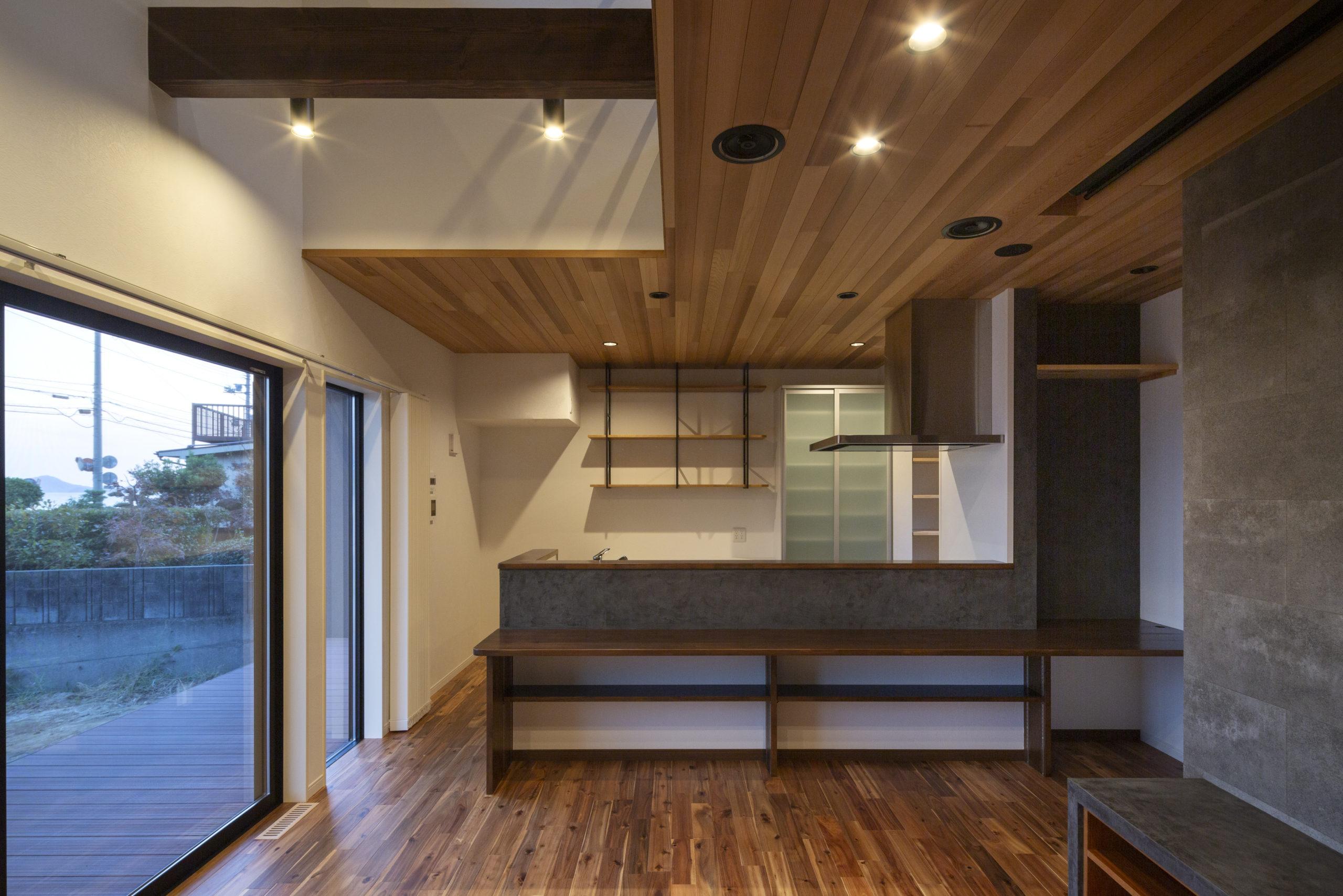 福山市の注文住宅|今井住建の施工事例ギャラリー「スタイリッシュなキッチンにはグレー」