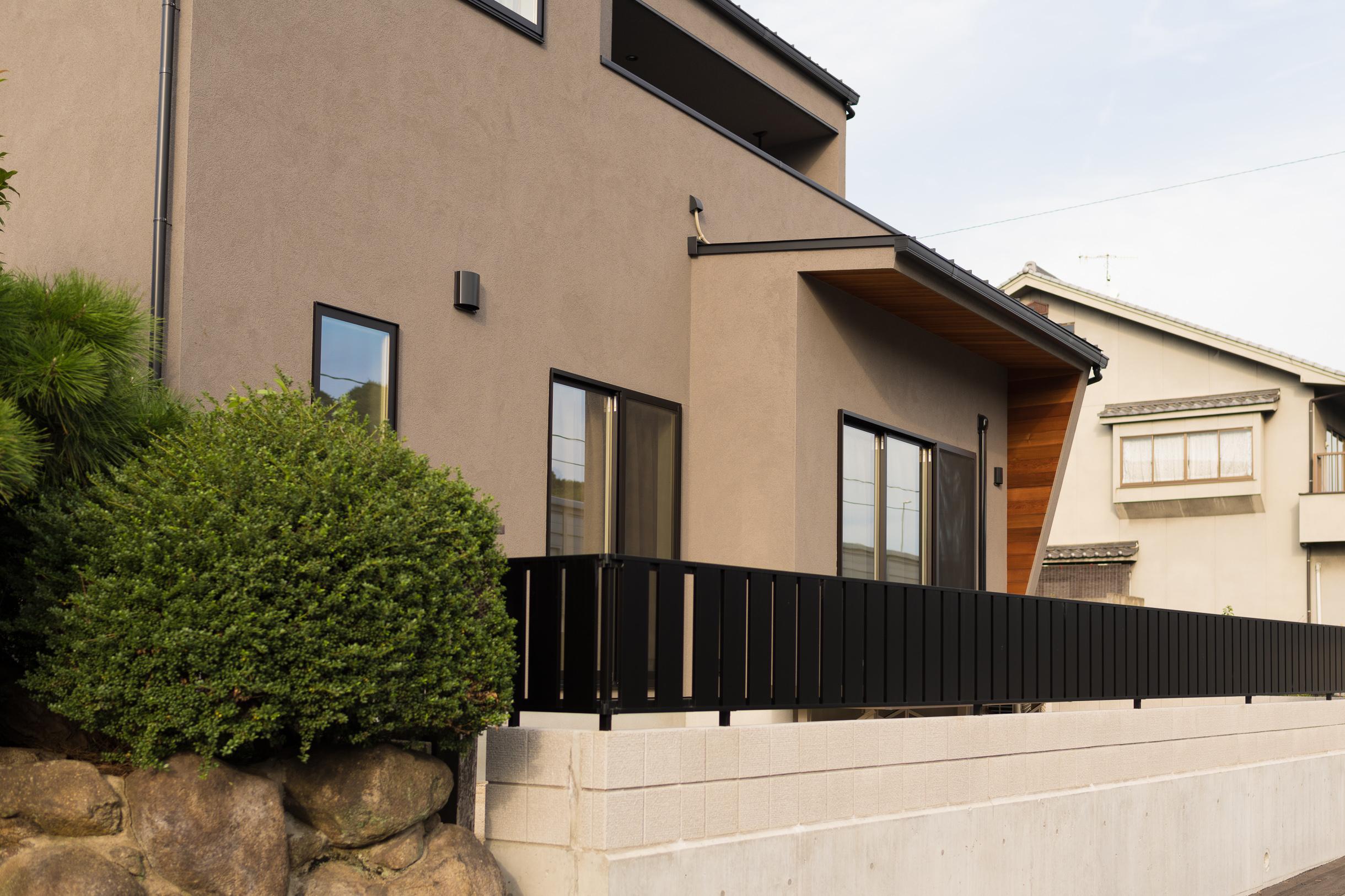 福山市の注文住宅|今井住建の施工事例ギャラリー「重厚感のある外観」