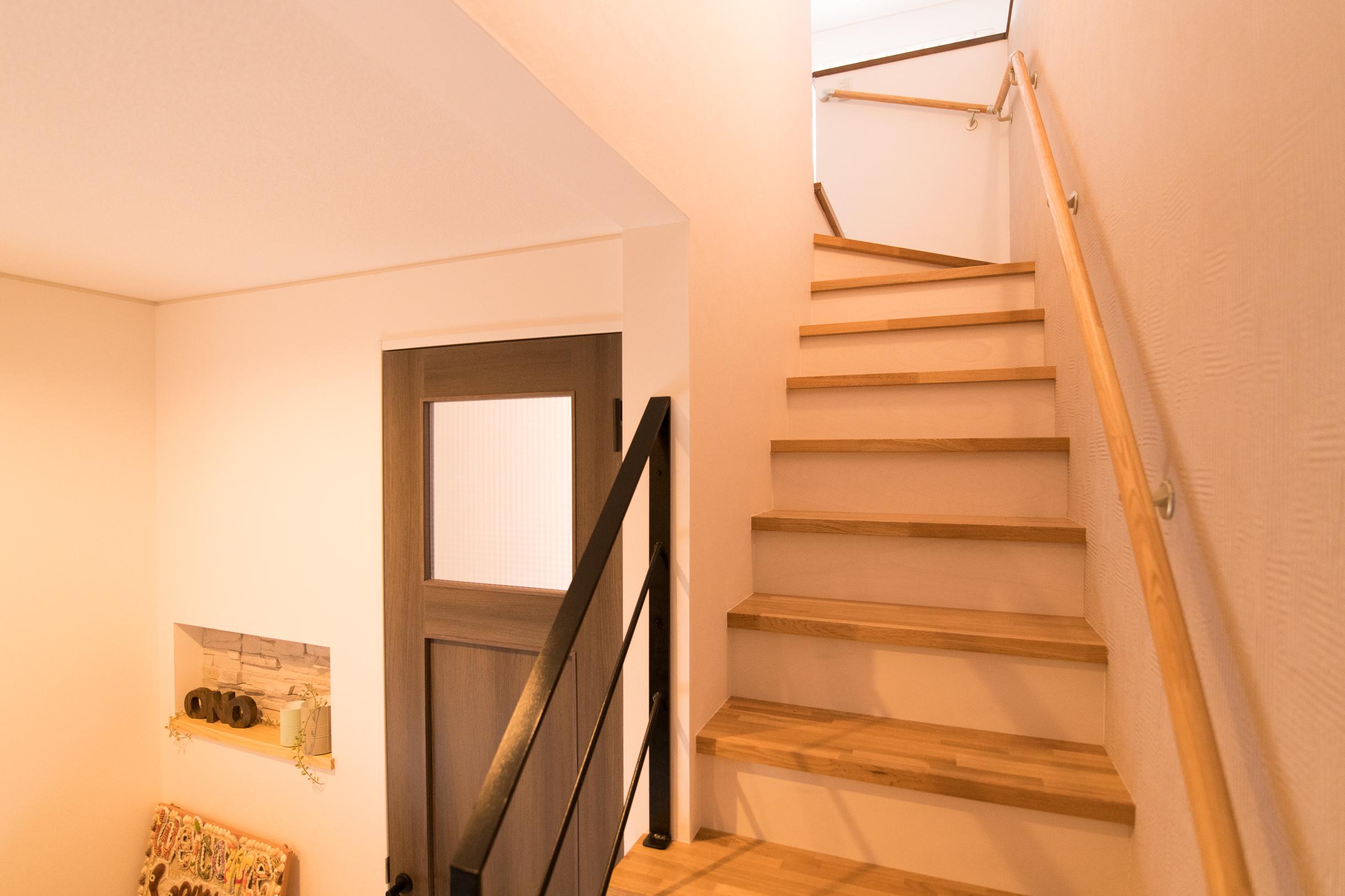 福山市の注文住宅|今井住建の施工事例ギャラリー「アイアンの手すりがアクセントに」