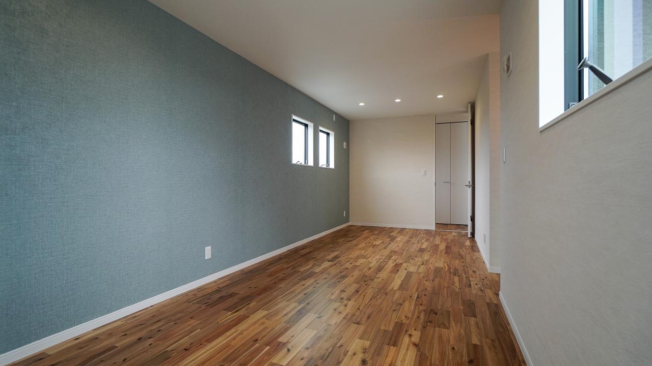 福山市の注文住宅|今井住建の施工事例ギャラリー「子供部屋は優しい色の壁紙がおススメです」