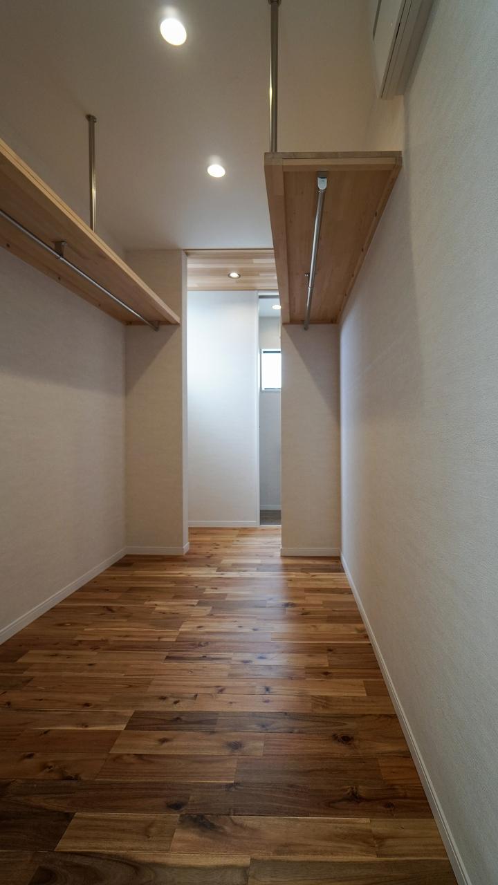 福山市の注文住宅|今井住建の施工事例ギャラリー「ファミリークロゼットはお風呂の横が定位置」