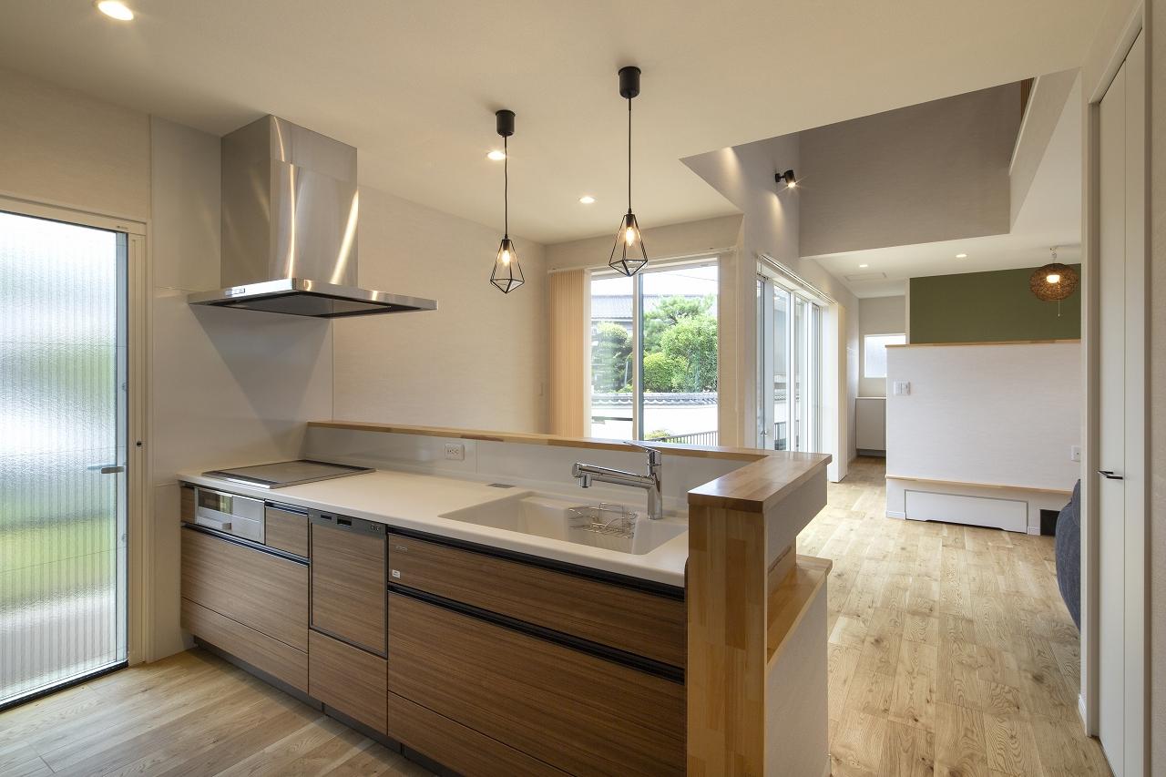 福山市の注文住宅|今井住建の施工事例ギャラリー「毎日の料理が楽しくなるキッチン」