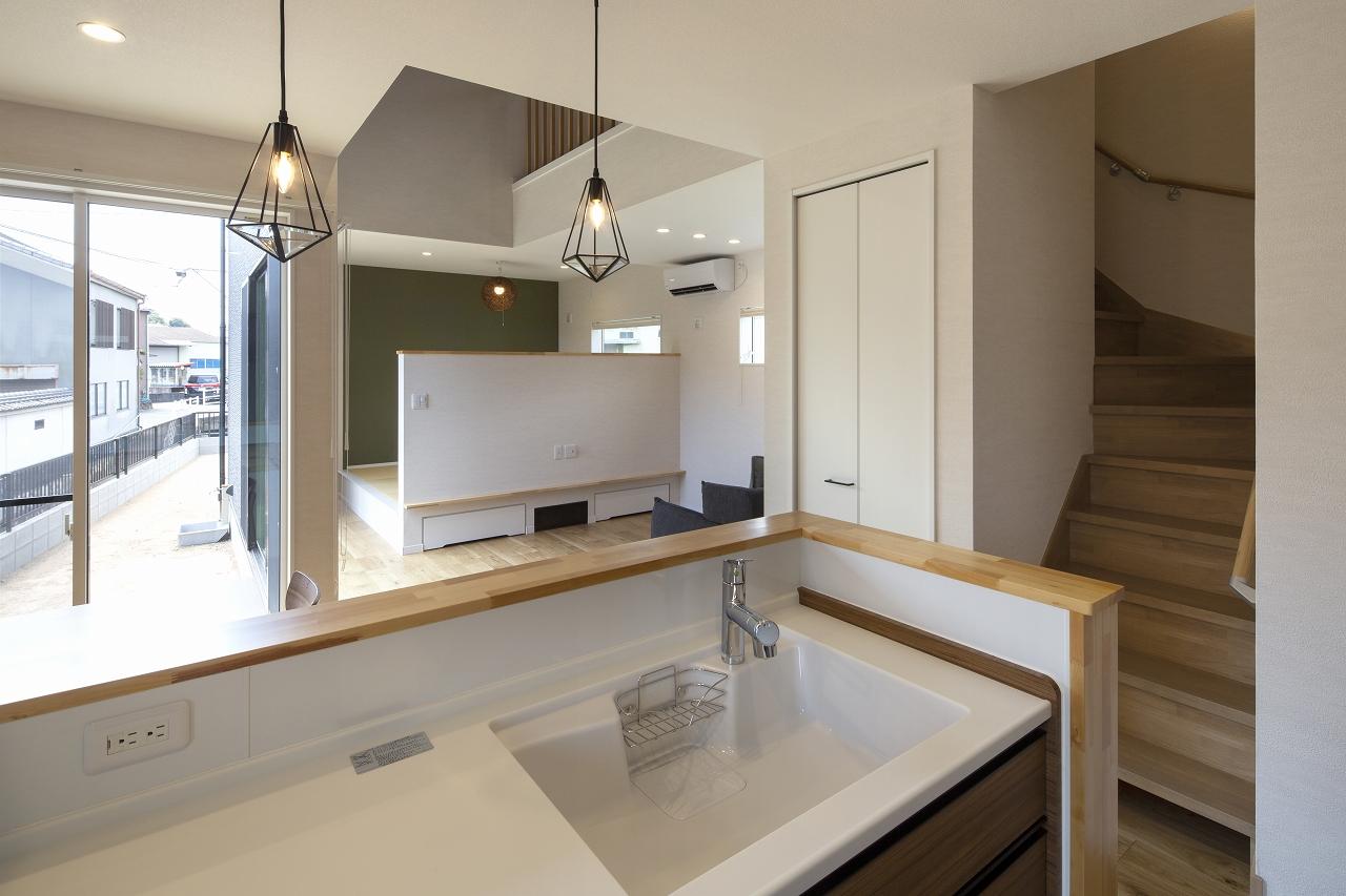 福山市の注文住宅|今井住建の施工事例ギャラリー「キッチン天板は、白の人工大理石が人気」