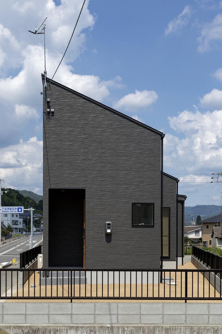 福山市の注文住宅|今井住建の施工事例ギャラリー「黒い外観はカタチにもこだわりを」