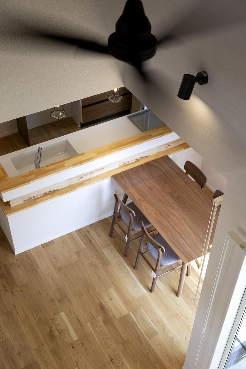 福山市の注文住宅|今井住建の施工事例ギャラリー「広がりを持たせたいなら、断然吹抜け」