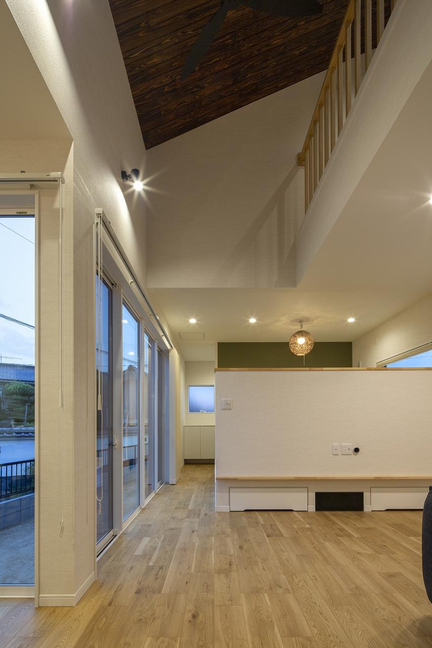福山市の注文住宅|今井住建の施工事例ギャラリー「吹抜け上の羽目板はアクセントとして」