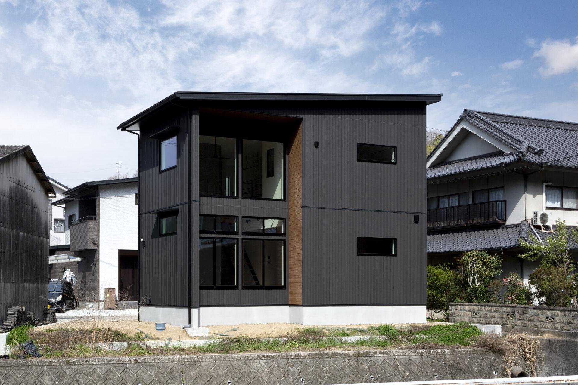 施工事例「窓際から景色を眺める家」